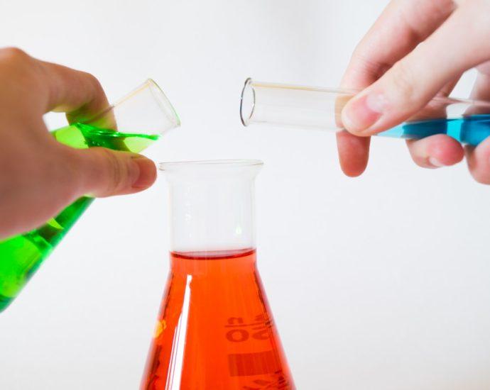 Химические реактивы. Для чего нужны и как используются?